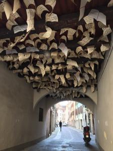 Installazione artistica quartiere Carmine Brescia